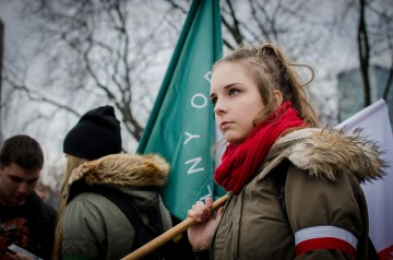 Polish-Girl-Nationalists (1)